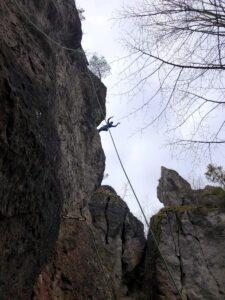 Deutschland Klettern am Römerstein Andreas im Kessel
