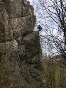 Deutschland Klettern am Römerstein Maike Brixendorf am Südostfelsen